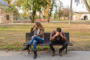 Couples introvertis-extravertis : apprendre à gérer les tensions