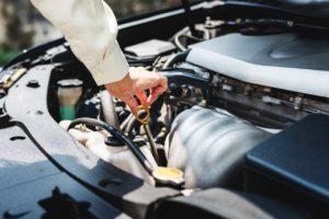 Voiture essence : l'huile moteur à choisir